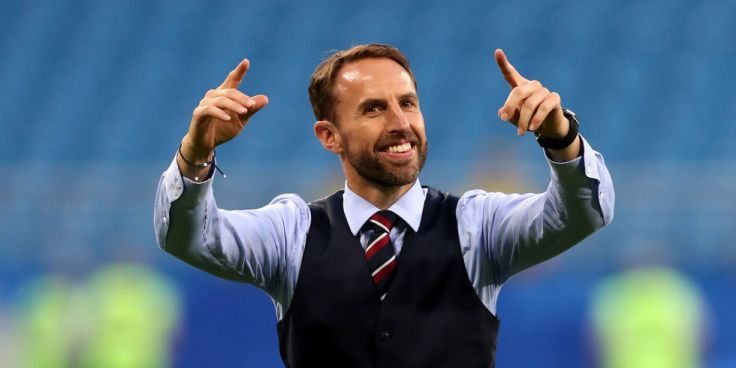 landscape-1531293363-gareth-southgate-england-manager-conducts-crowd-its-coming-home